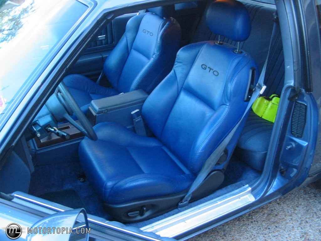 Lets see your aftermarket seats!! no stock stuff - Page 4