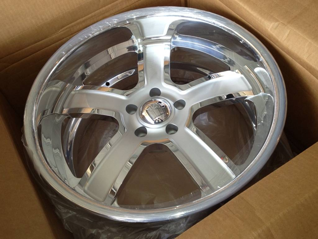 Intro Wheels Nitto Invo Tires